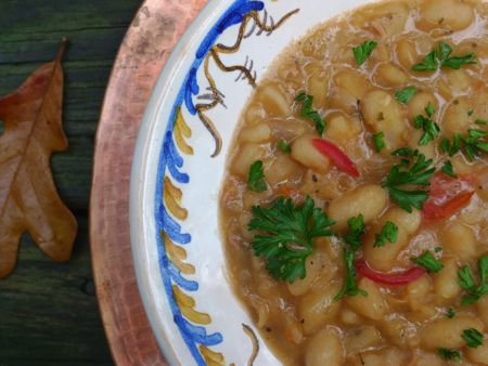 This traditional Lenten dish from the Valley of Oaxaca is just as appealing in early fall. White beans are simmered until sweet and creamy, then seasoned with allspice, clove and oregano.