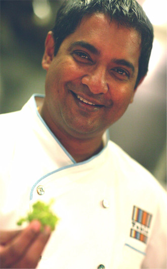 Tabla chef Floyd Cardoz tells us how black pepper is used in the cooking of Goa and in his New York restaurant.