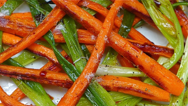 L1070102carrots&scallions:620wide